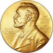 جایزه نوبل ادبیات ۲۰۱۷ به «کازوئو ایشیگورو» نویسنده رمان «بازمانده روز» رسید.